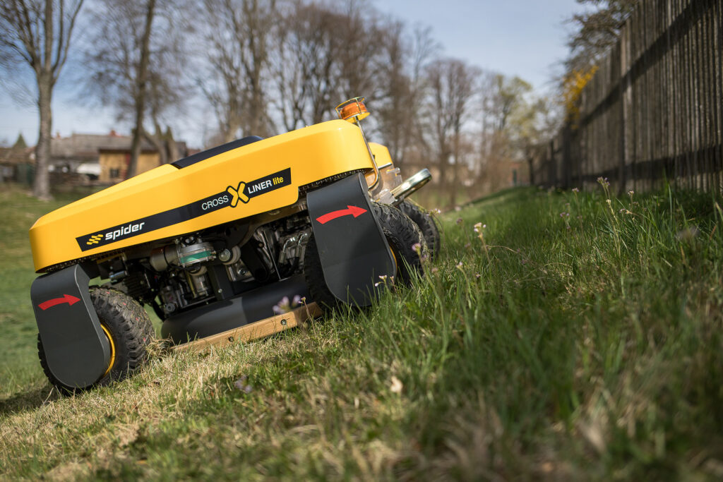 SPIDER CROSS LINER Lite Remote-Control Slope Mower on Grass – SPIDER Mower