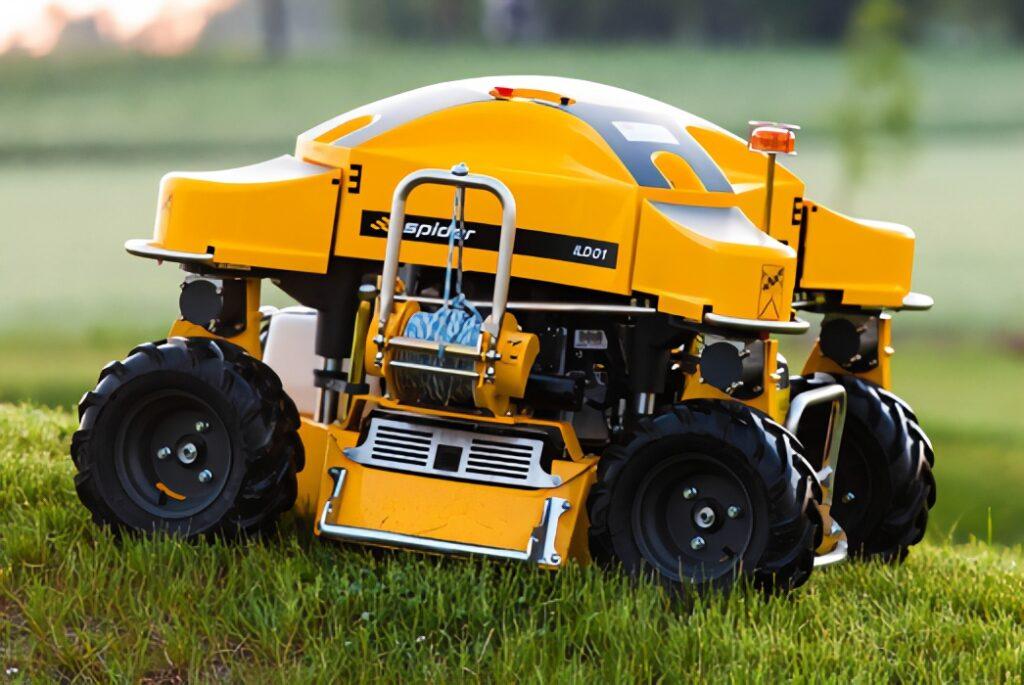 SPIDER ILD01 Slope Mower on Grass